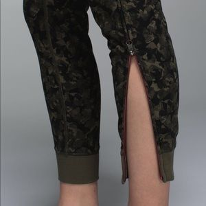 8fa7674c1 lululemon athletica Pants - Lululemon rare camo jogger sweatpants